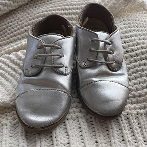 Gap kids silver shoes